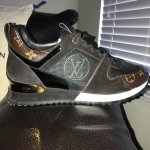 Louis Vuitton Run Away Sneakers‼️‼️‼️ (Like New)